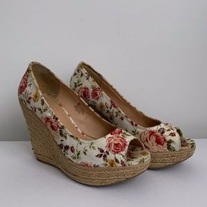 🌸3 FOR $30✨Floral Wedge heels